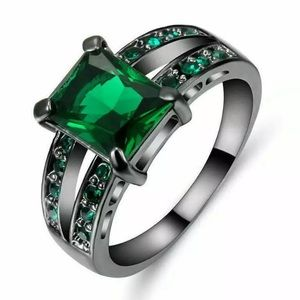 Fashion Emerald Ring Size 9 NWOT